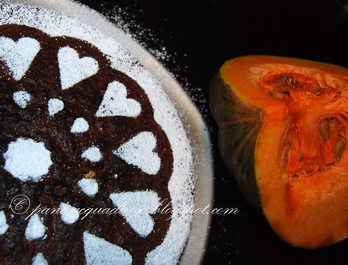 torta alla zucca con gocce di cioccolato e semi di zucca