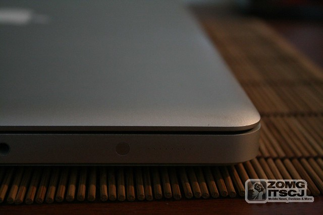 Ye Giant Apple 13 Inch MacBook Pro (2010) Review – UnleashThePhones