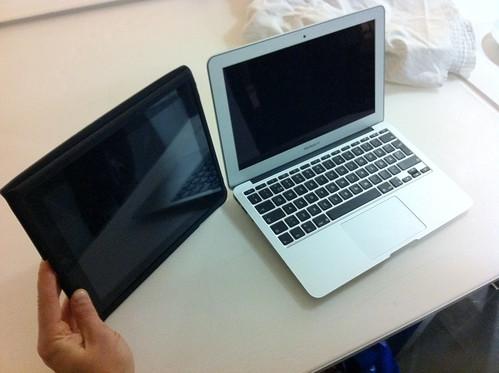 """MacBook Air 11"""" vs. iPad - DROOL"""