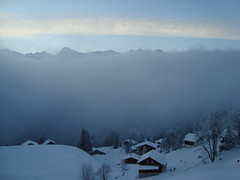 DSC00591 (the_traveller87) Tags: fog evening abend nebel berge glarus braunwald