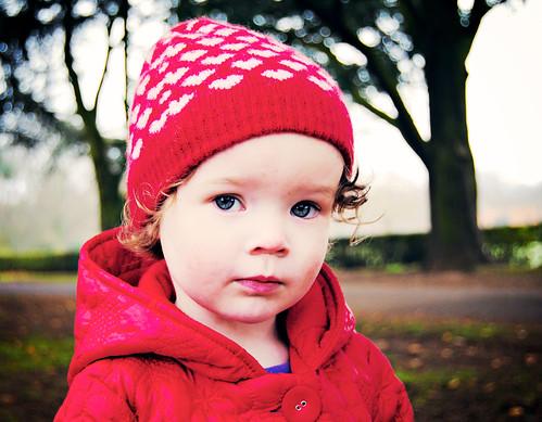 [フリー画像] 人物, 子供, 少女・女の子, 帽子・キャップ, 201011240700