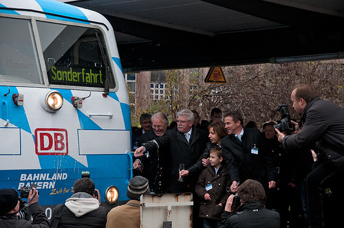 Die Loktaufe der 111 017 Bahnland-Bayern-Lok »Maxl«