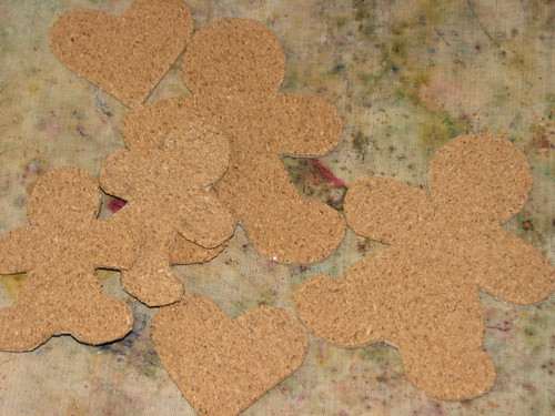 25 Days of Hand Crafted Gifts & Orn - Cork Gingerbread Garland 005