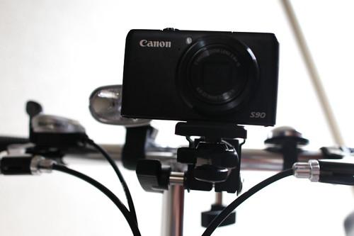 自転車にビデオやカメラをマウントで装着