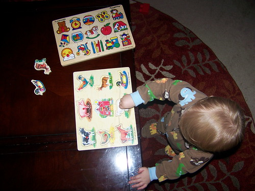 101120 Coleman with puzzles 06