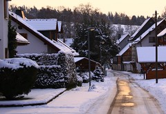 Sleepy Brden (:Linda:) Tags: street snow brick architecture germany village timber thuringia lamppost hedge halftimbered taxus hedgerow fachwerk timberframing hecke timberconstruction brden schneeaufstrasen