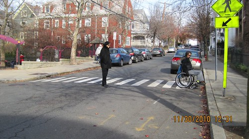 Somerville Walnut Park crosswalk- no curbcuts