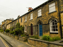 225 -  Saltaire - Wm Henry Street with front gardens for Overlookers (1 of 1) (md2399photos) Tags: 2jun17 almshouses davidhockney robertspark saltaire saltaireunitedreformedchurch saltsmill victoriahall
