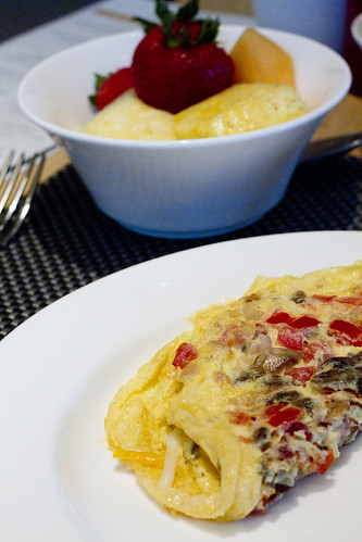omelet and fruit