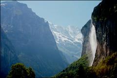 switzerland (Izaskun G. Obieta) Tags: mountain water switzerland agua suiza monte montaña roca interlaken interlagos cascada