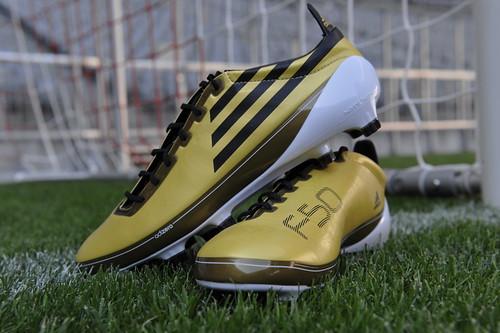 buy online 653fe 1caf3 F50 FW10 hires2. Lionel Messi con la edición especial de la bota F50 adiZero