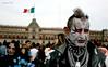 tribus urbanas (Chalo CG) Tags: mexico cadenas bandera rosas nacional palacio maquillaje azules tribus persing pupilentes urbasnas