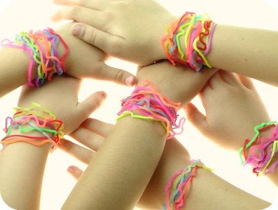 Silly_bands_on_wrists