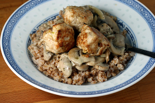 Turkey meatball with wheat and mushroom strog top