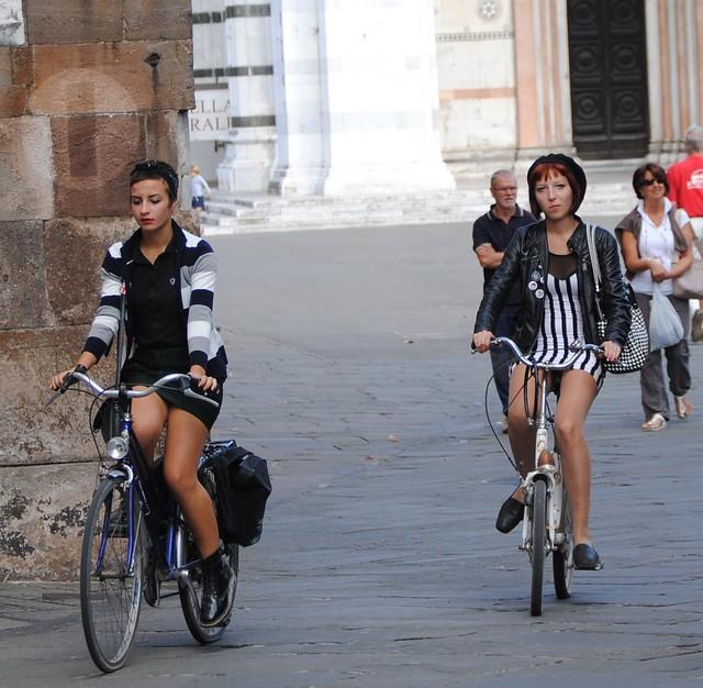 in bici nel centro di Lucca