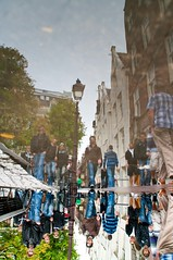 Reflections upside down  in Amsterdam (Andrew Greening) Tags: life street people holland water amsterdam reflections mirror licht pentax spiegel andrew k20 straat kleur greening pebtaxk20 andrewgreening