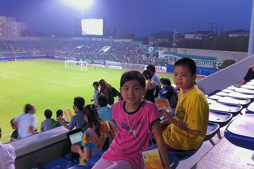 横浜FC vs ヴェルディ サッカー観戦二回目のド素人の私が観ても面白い。