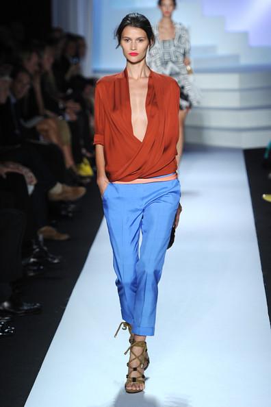 Diane+Von+Furstenberg+Runway+Spring+2011+MBFW+lDcFcw09TV2l
