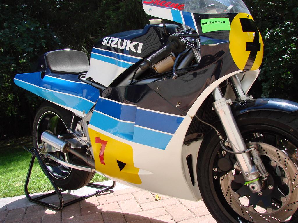 Machines de courses ( Race bikes ) - Page 7 4990056392_48e6ef946c_b