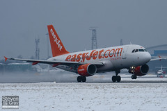 G-EZBN - 3061 - Easyjet - Airbus A319-111 - Luton - 100111 - Steven Gray - IMG_6125