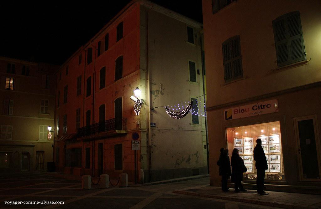 Regarder le prix de l'immobilier à Saint Tropez: de quoi devenir fou!