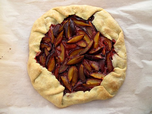 plum crostata 1