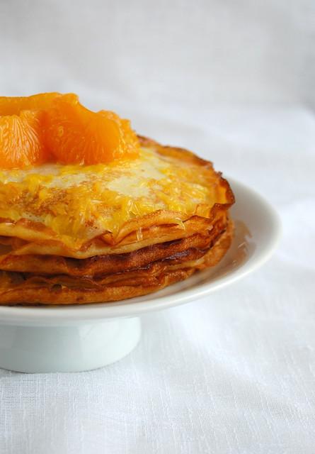 Dulce de leche crêpe cake with Suzette sauce / Bolo de crepes com doce de leite e calda Suzette