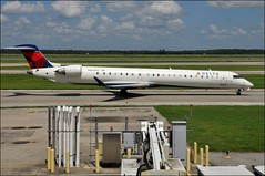 N162PQ Pinnacle Airlines CRJ-900