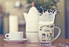 Milkshake (Fabio Sabatini) Tags: home cup canon 50mm casa milk terrace f14 splash terrazza giannina