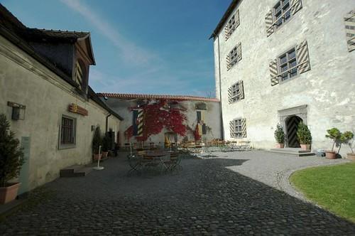 Innenhof in der Waldburg