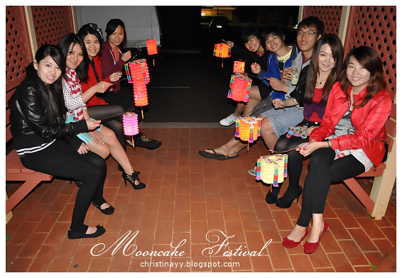 Mid-Autumn Festival 2010: Outdoor Groupie