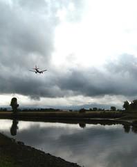 Downtime (Bricheno) Tags: plane reflections river airplane scotland escocia aeroplane cart szkocja renfrew easyjet schottland whitecart scozia rivercart cosse whitecartwater  esccia   bricheno scoia