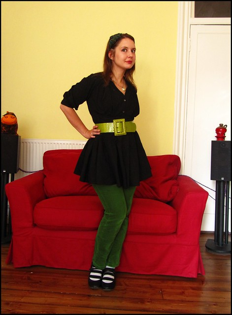 green and black; fashion, clothes, style, outfit, thrift, thrifted, blogger, blog, creative, colour, color, charity shop, quirky, individual