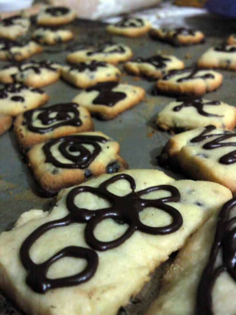 decorated vanilla shortbread with cocoa nibs