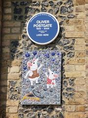 Photo of Oliver Postgate blue plaque