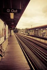 Chicago - Train (Cyrielle Beaubois) Tags: chicago train canon french photo metro amateur franais 2010 photographe sigma1770mm f2845 eos400d sigma1770mmf2845dcmacro dcmacro cyriellebeaubois cyriellebeaubois