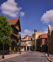Empty Streets (Ray Horwath) Tags: epcot nikon unitedkingdom disney disneyworld wdw waltdisneyworld tamron waltdisney worldshowcase horwath tamronlens unitedkingdompavilion d700 disneyphotos rayhorwath tamron28mm300mmlens