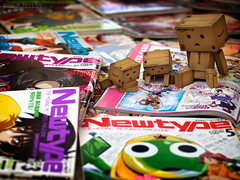 089/365:  Lazy Saturday Browsing. (Randy Santa-Ana) Tags: magazine toys read danbo newtype gf1 project365 danboard minidanboard minidanbo 365daysofdanbo