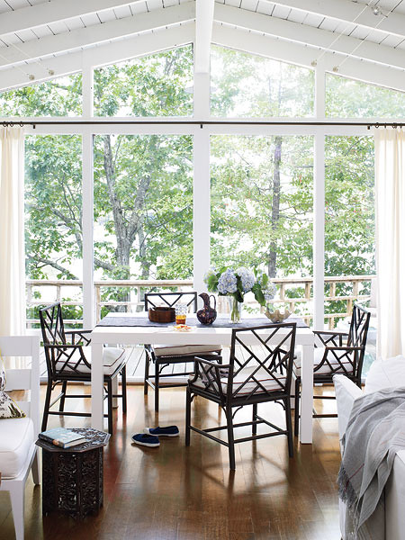 Light and Lakeside interior design via myhomeideas Southern Living, interior design, home, brown, white, lakeside, home, ideas