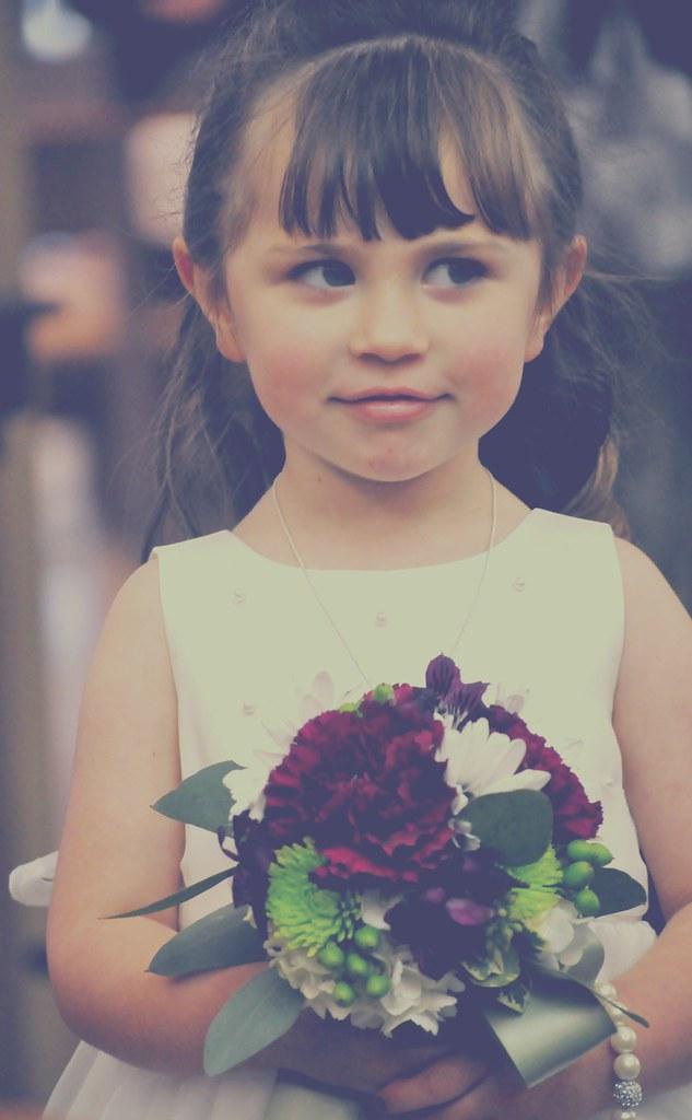 the little flower girl!