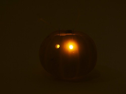 Blinky-o-lantern in the dark