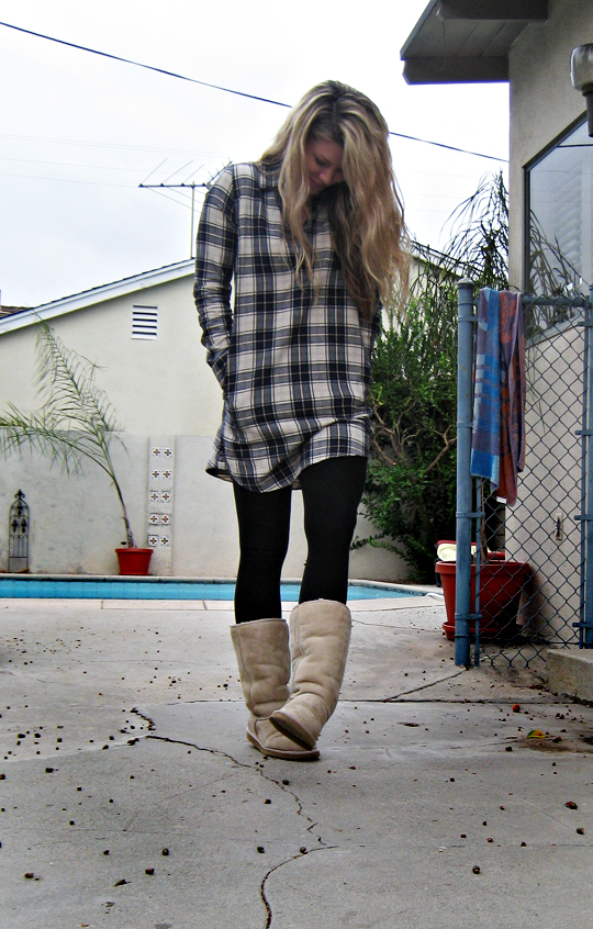 plaid tunic leggings and uggs dark