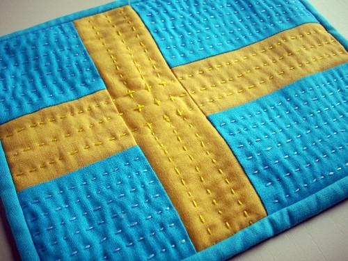 a swedish mug rug