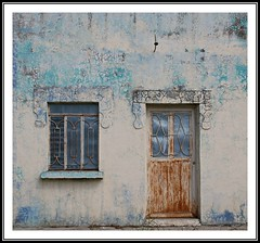 China, N.L. (Juan Antonio Garza Lozano) Tags: china door art window architecture facade mexico ventana arquitectura puerta nuevoleon fachada rgv garza chinanuevoleon juangarza