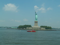 NYC '06 - Statue of Liberty (scb.mypics) Tags: city nyc ny newyork centralpark tourist empirestatebuilding statueofliberty ellisisland thebigapple touristdestination