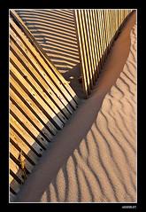 prision (goldenblatt) Tags: shadow brown detalle detail beach landscape sand triangle sombra playa paisaje diagonal arena marron tarifa triangulo