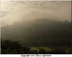 Viviez vers 9h (Gislaadt Art - OFF 2 days) Tags: morning light mist france fog town brouillard ville brume matin aube aveyron viviez