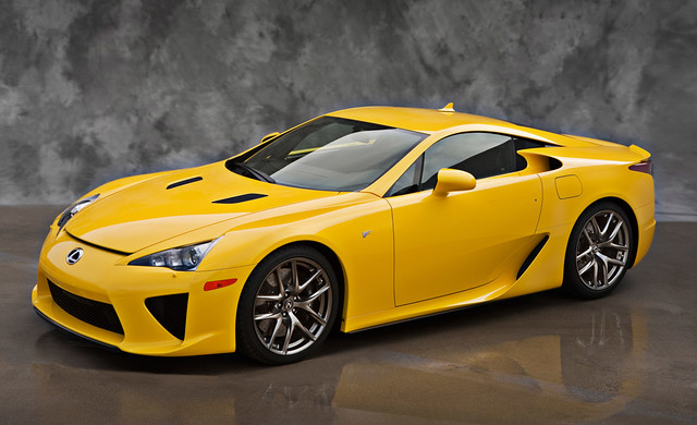 2012-Lexus-LFA-In-Yellow-02