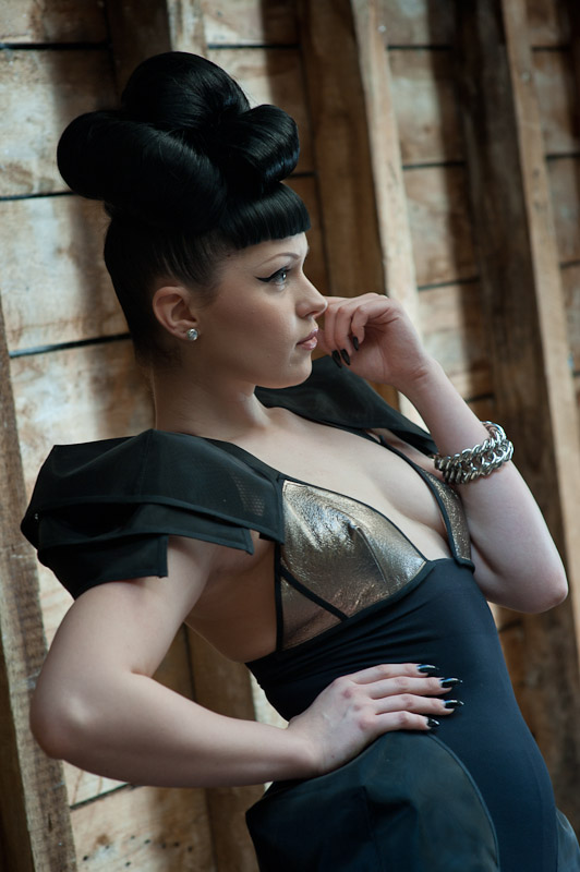 Viktoria Modesta - Upstairs 7