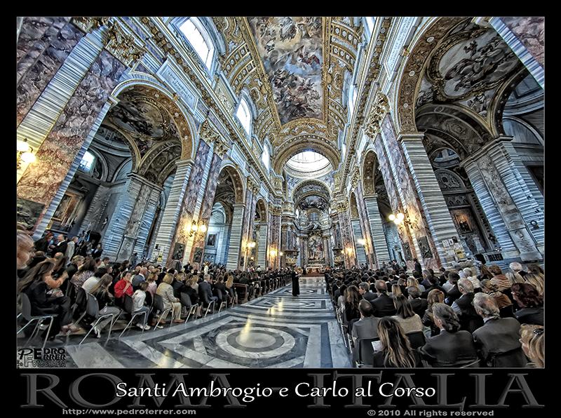 Roma- Basilica Santi Ambrogio e Carlo al Corso - Interior
